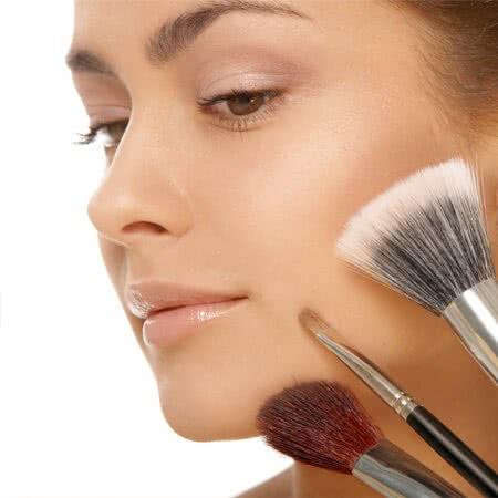 خرید اینترنتی آرایش صورت